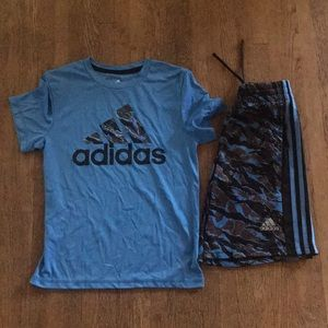 Boys adidas outfit sz small(8)